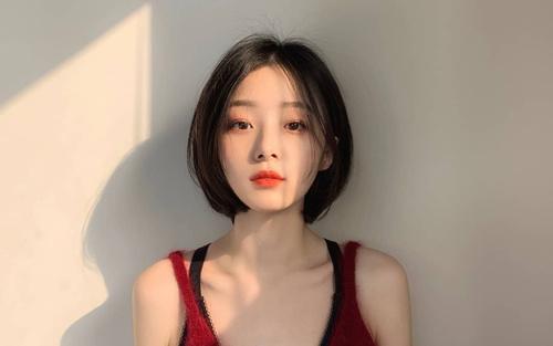 hình ảnh cô gái tóc ngắn đẹp