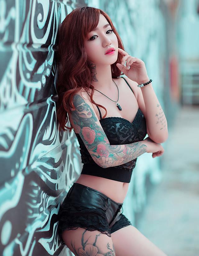 hình ảnh cô gái xăm đẹp
