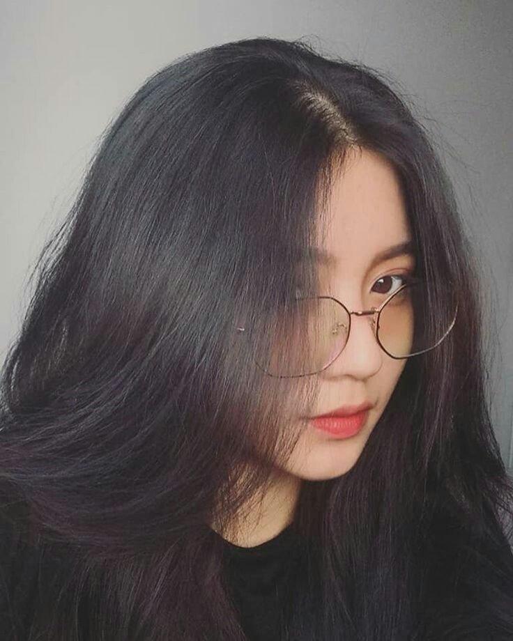 cap về con gái đeo kính