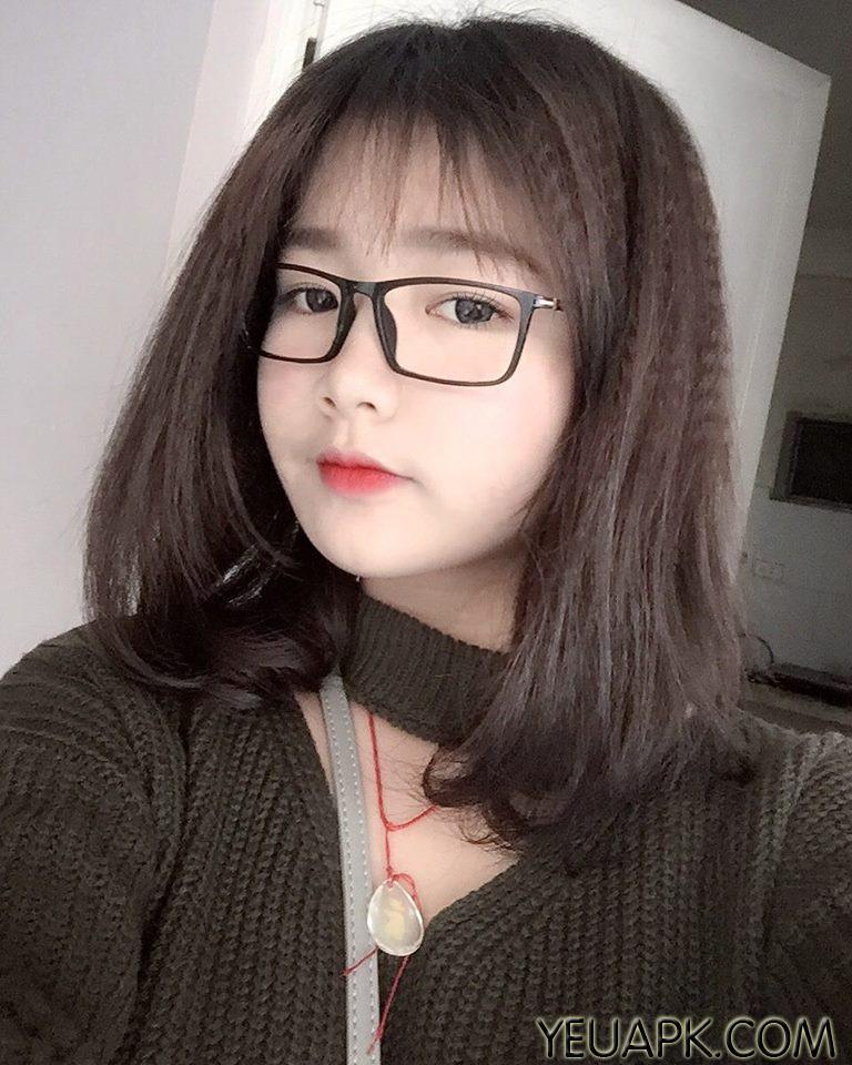 con gái mặt dài đeo kính gì