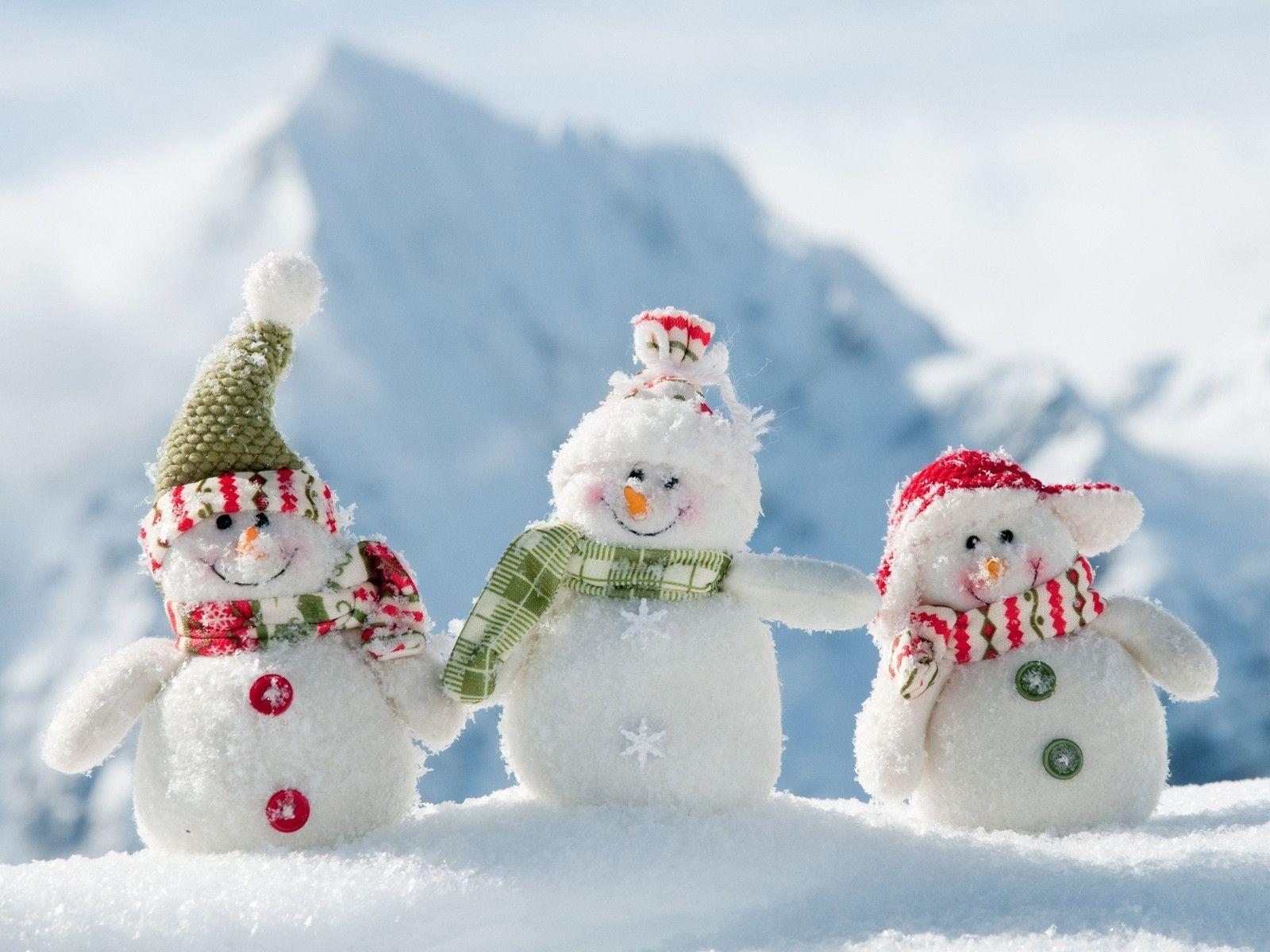 hình ảnh ôm nhau mùa đông