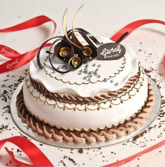 bánh sinh nhật đẹp màu tím