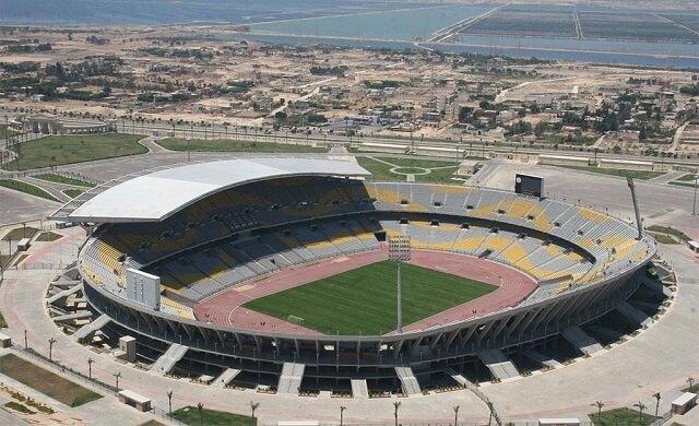 San-bong-da-Borg-EL-Arab-Stadium