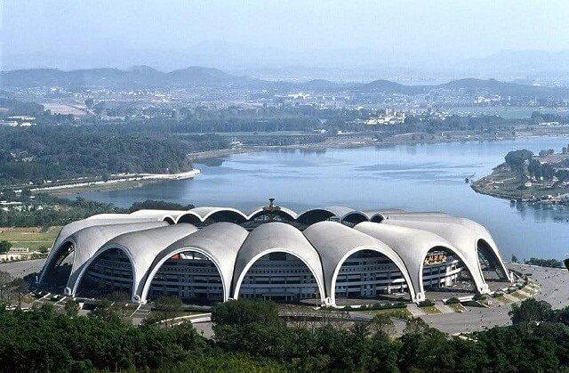 San-van-dong-lon-nhat-the-gioi-Rungrado-May-Day-Stadium
